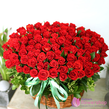 100 red roses for Christmas Vietnam free shipping